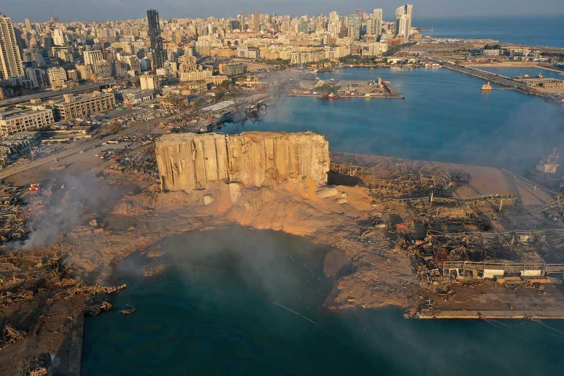 Ruinerna efter hamnen i Beirut