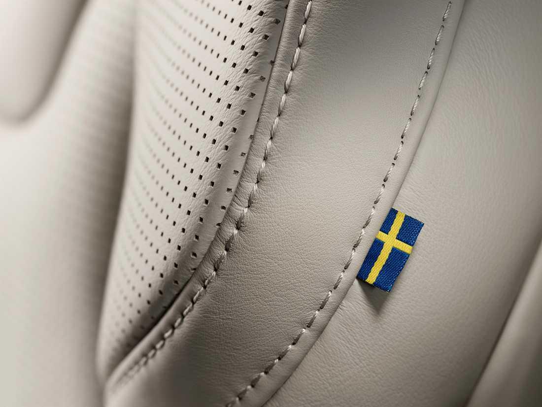 Volvo XC90 En liten påminnelse om att det är svenskt sitter insydd i sätena på bilen.