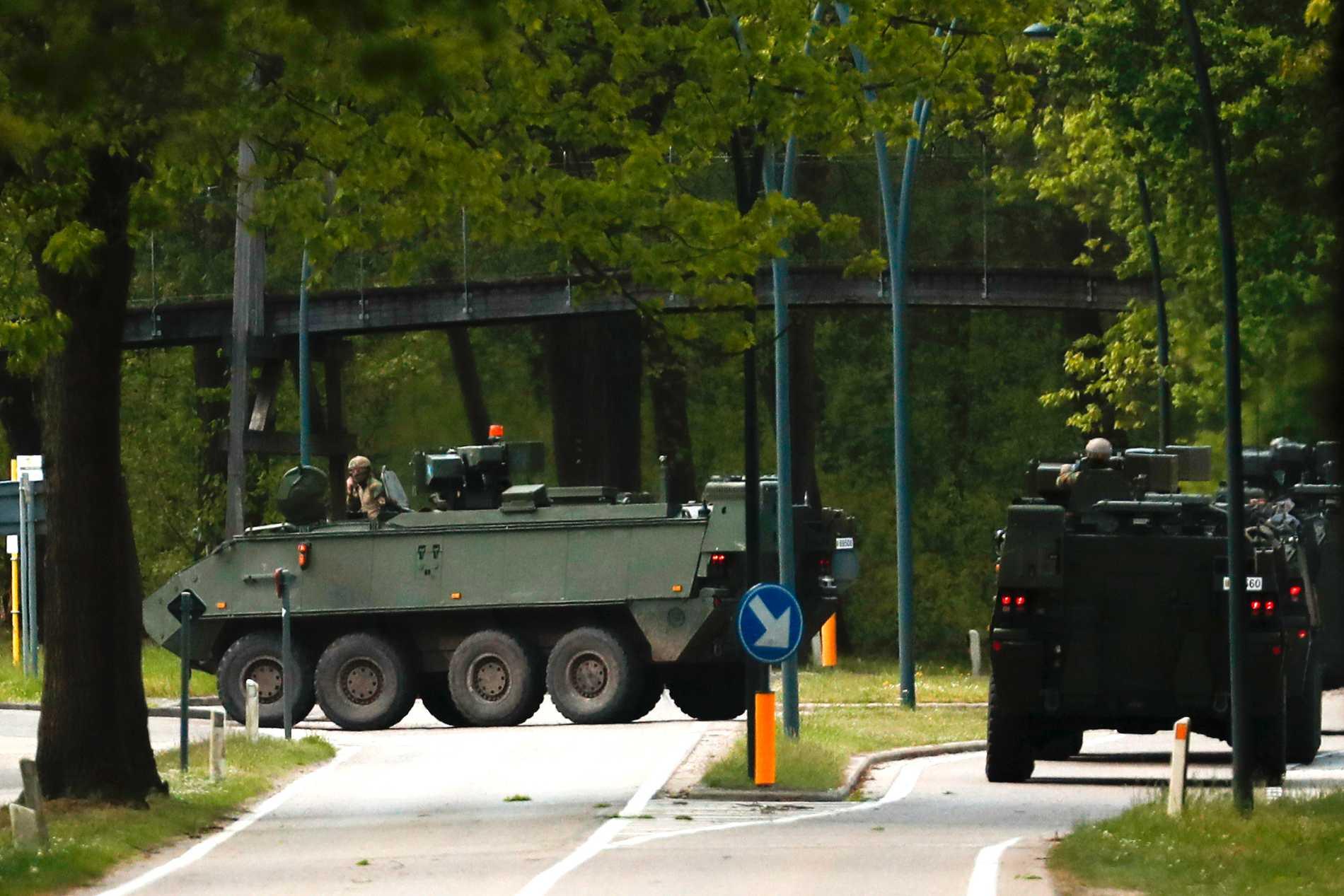 Belgisk militär på jakt efter mannen med stridsvagnar i nationalparken Hoge Kempen. Arkivbild.