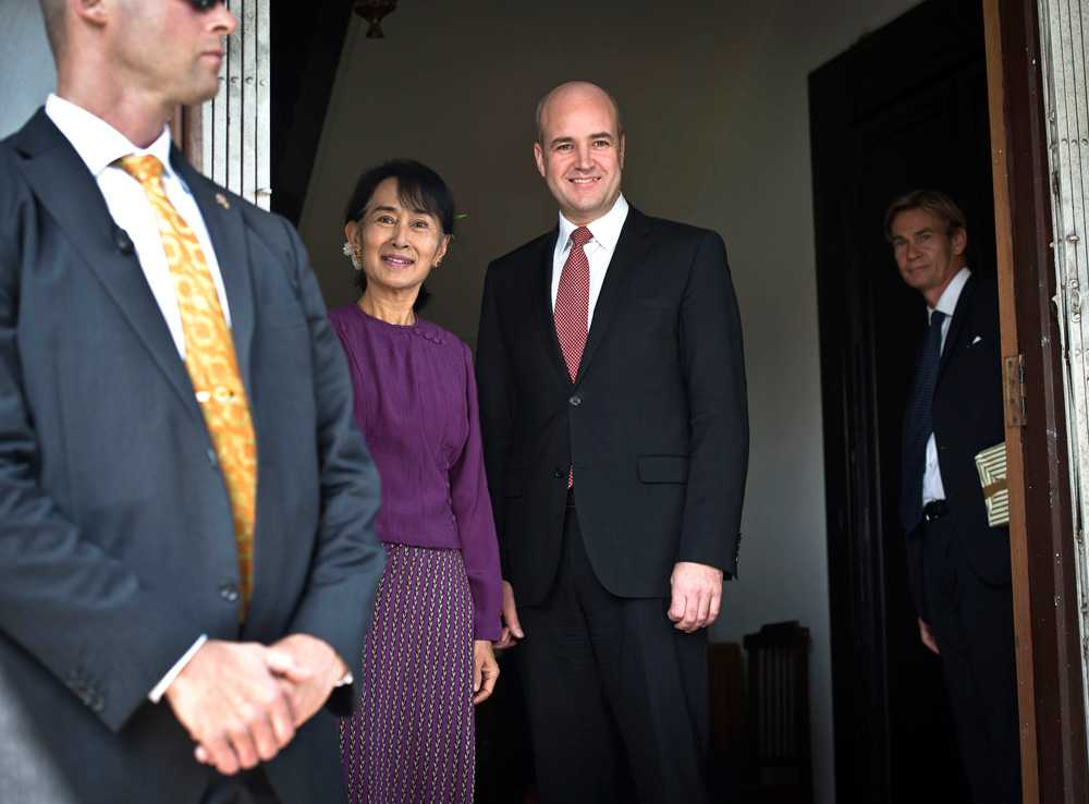 Aung San Suu Kyi och Fredrik Reinfeldt.