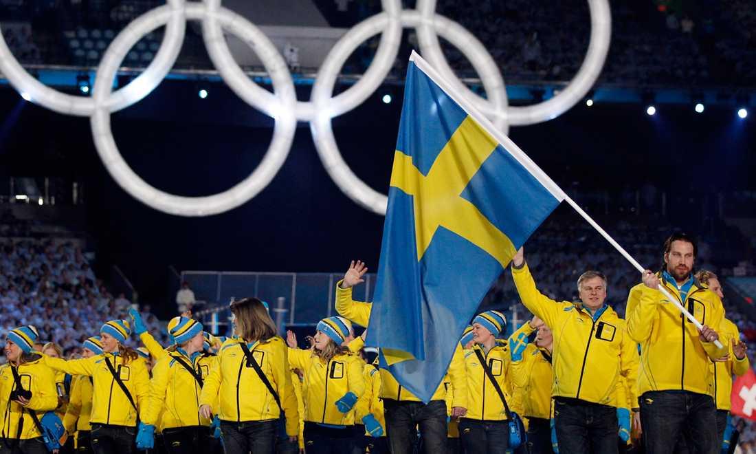 Foppa tog en av platserna i ett stjärnspäckat Tre Kronor i OS i Vancouver 2010. Och fick äran att bära Sveriges fana på invigningen.