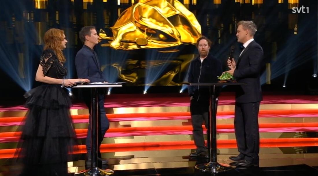 """Uje Brandelius och Henrik Schyffert i """"Kulturnyheternas"""" eftersändning."""