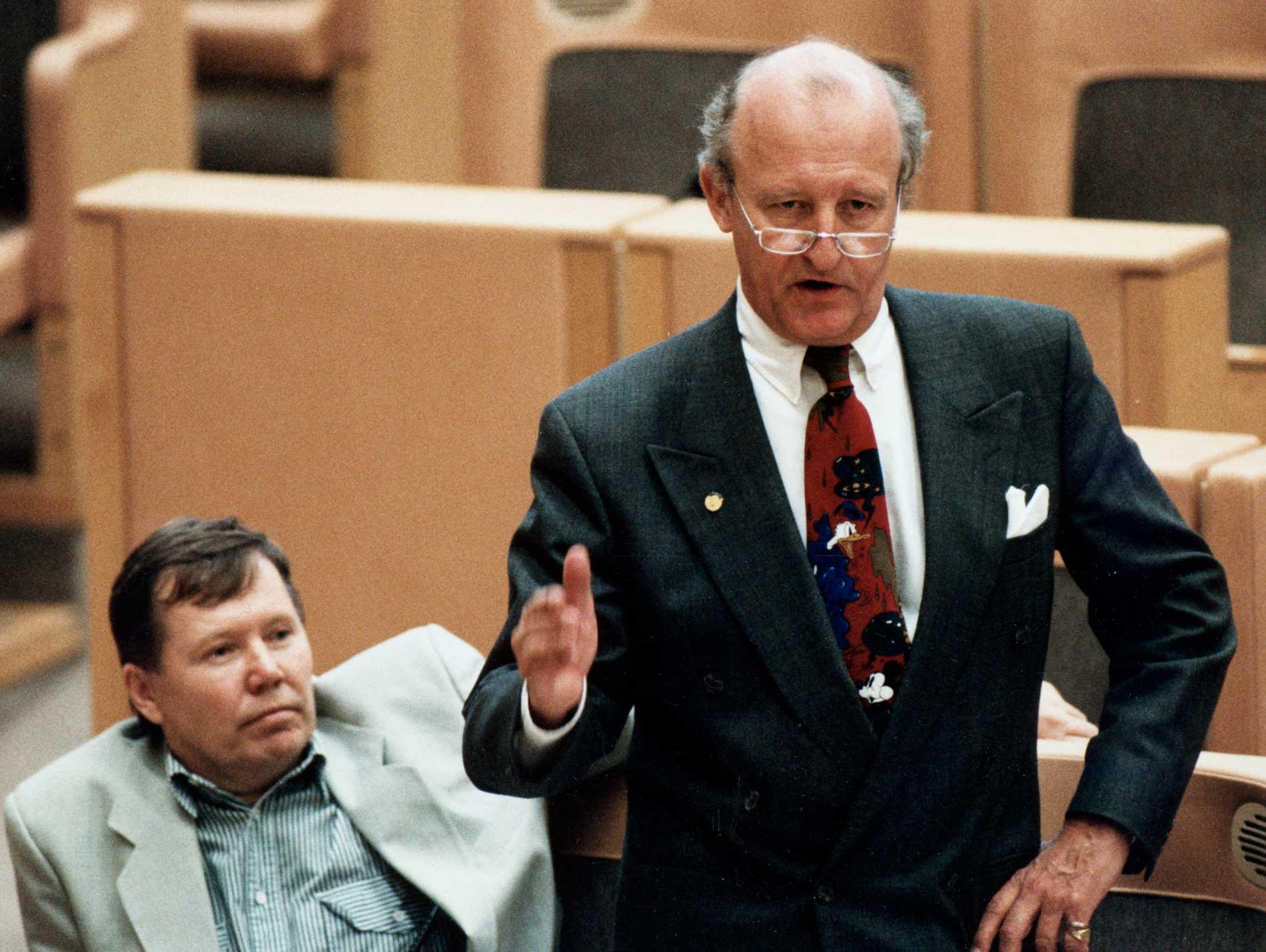 Bert Karlsson och Ian Wachtmeister i riksdagen 1992.