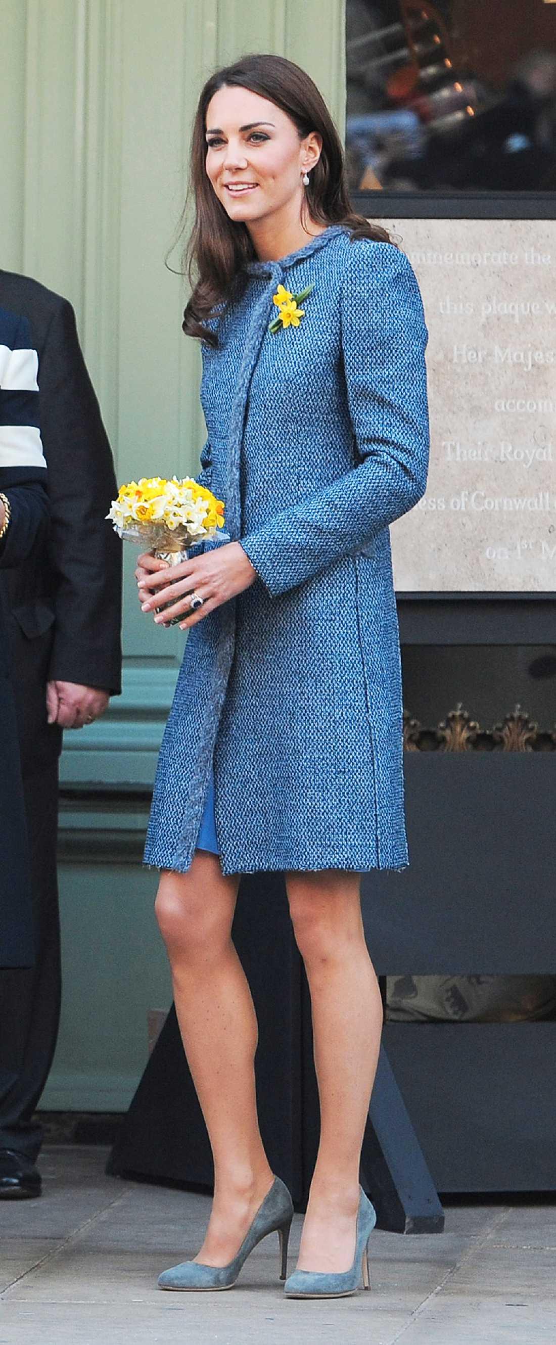 Kate Middleton i söt kappa från Missoni pch pumps från Rubert Sanderson.
