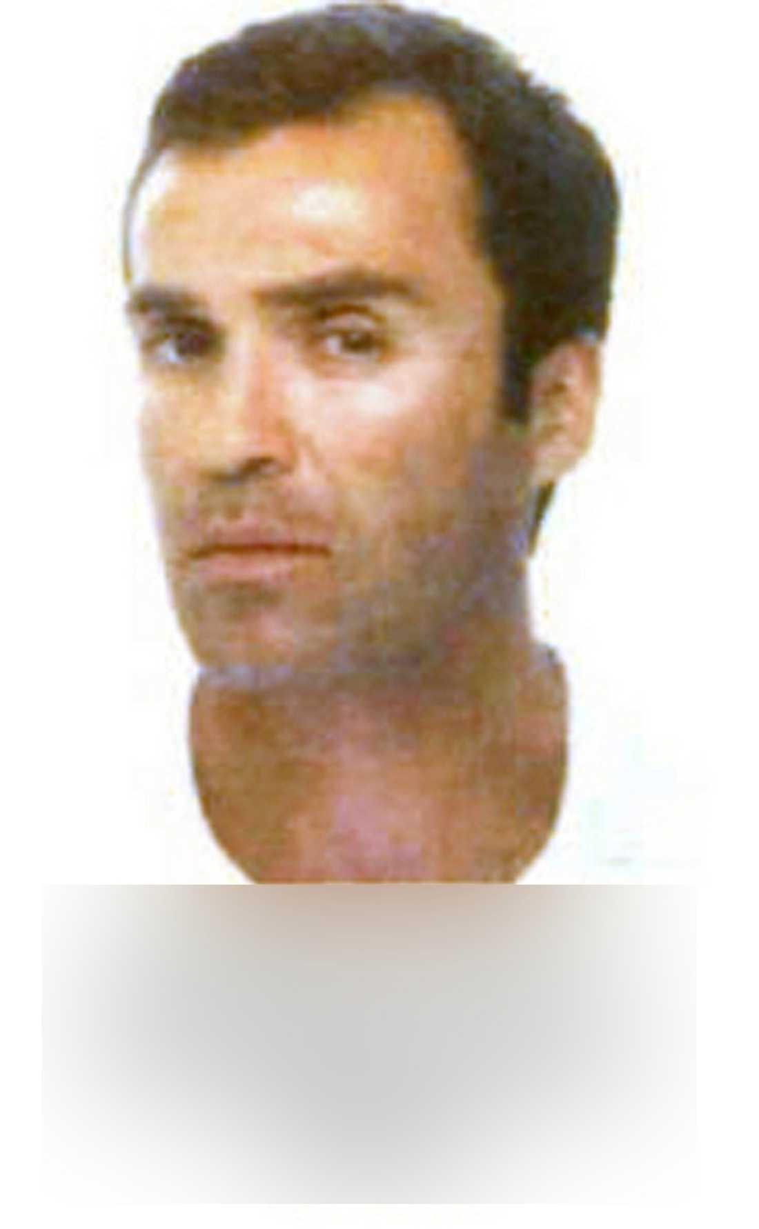FASTNADE I FÄLLAN Paul Mardirossian greps när han levererade ett granatgevär och en kalasjnikov. Nu åtalas han i USA, bland annat för att ha gynnat terrorgrupper.