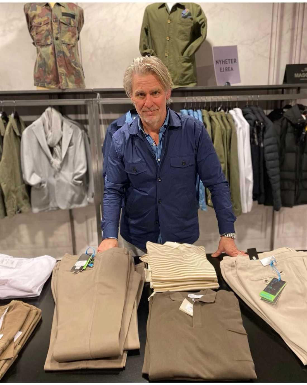 Jens Bergqvist driver klädbutiken Wonder i Varberg.