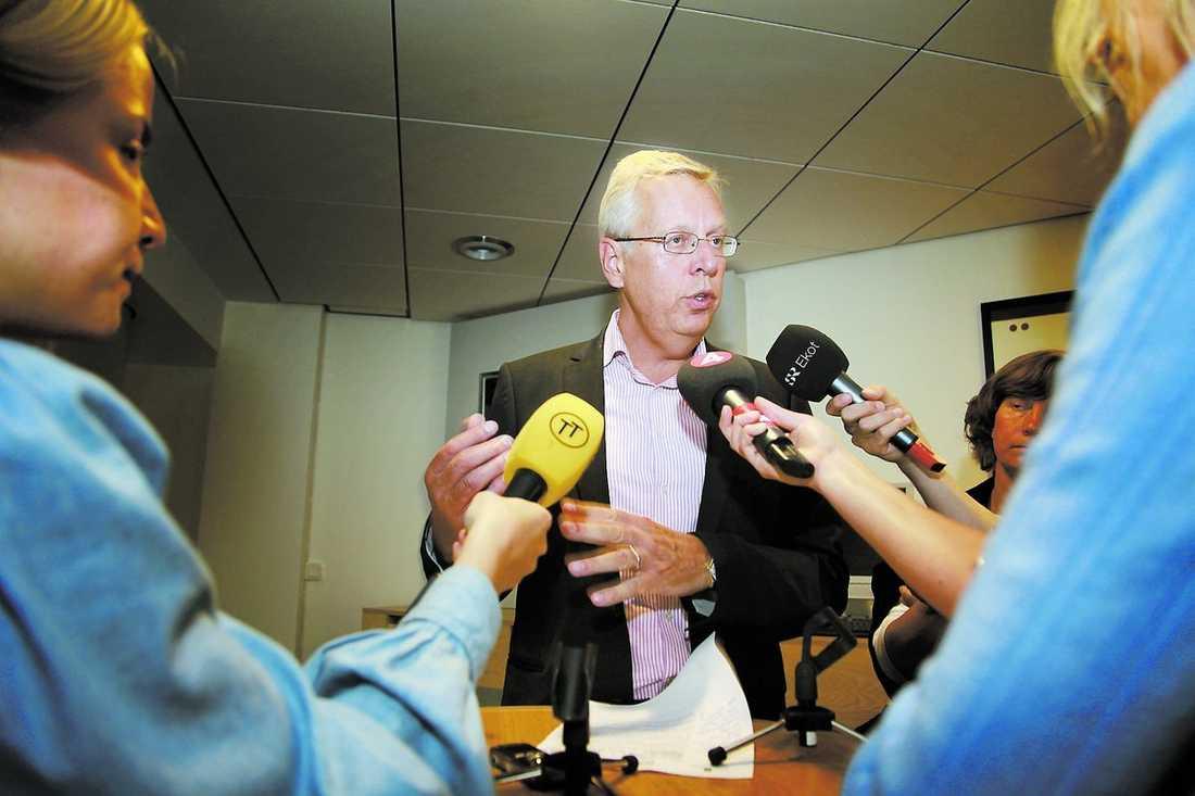Mats Odell berättar att Marianne Samuelsson får sparken.