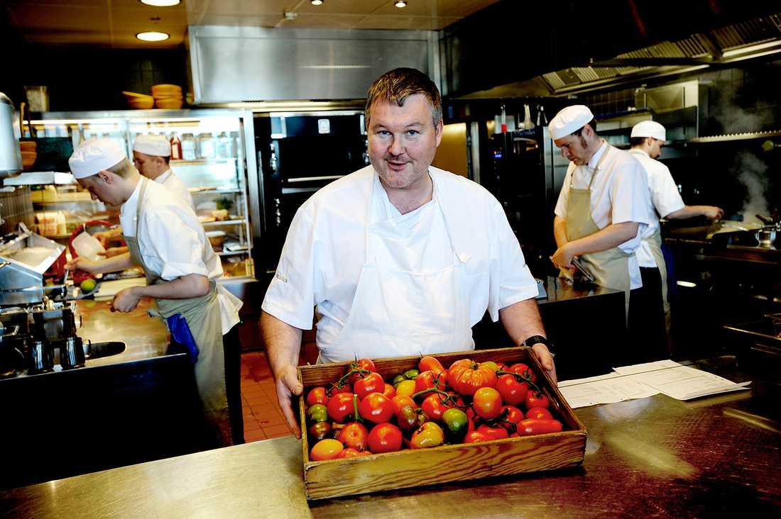 Stjärnkocken Mathias Dahlgrens restaurang i Stockholm tappar en aning på listan, men placerar sig ändå på 51:a plats.