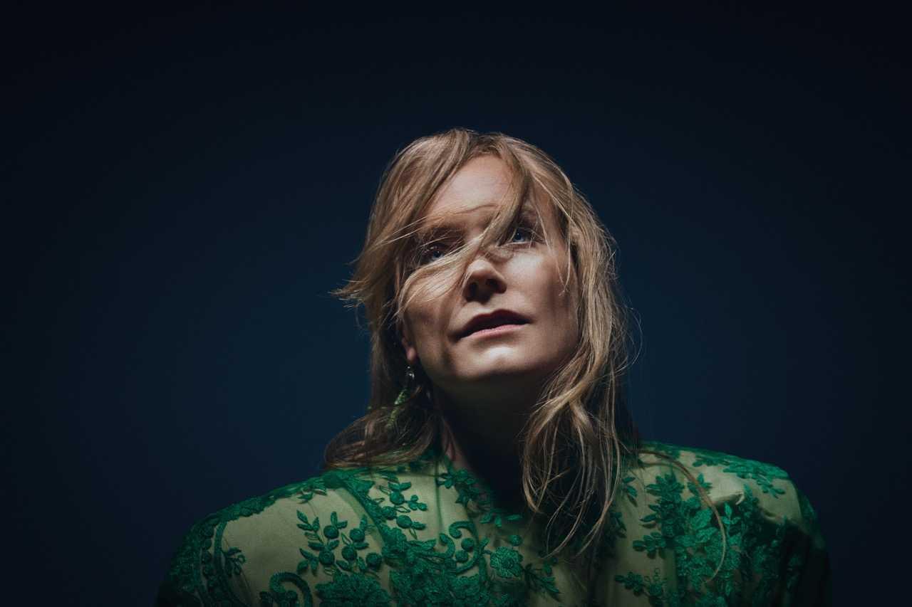 Ane Brun gör vacker musik av stora livsfrågor.