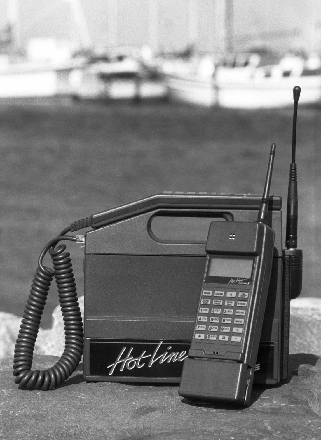 Ericsson Hotline kom 1989 och vägde runt fyra kilo.