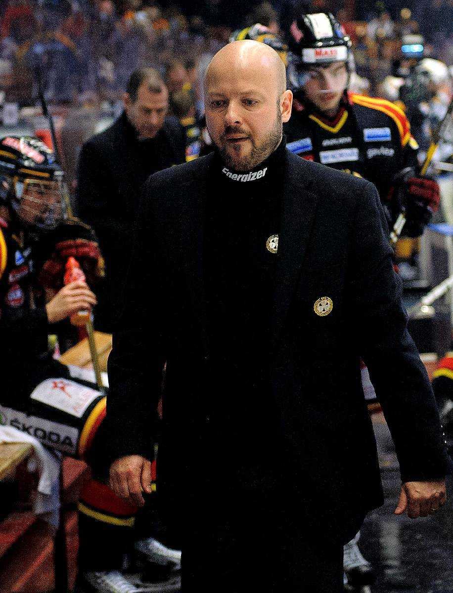 INTE TILLRÄCKLIGT NOGGRANN  Tommy Jonsson får nu betala priset för att han bortprioriterade grundspelet, menar Johan Garpenlöv.