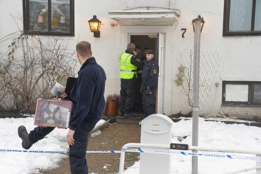 HVB-hemmet i Mölndal spärrades av efter knivdådet.