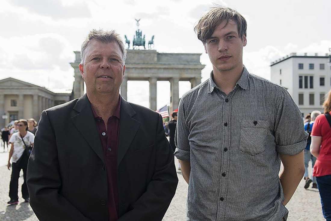 """Wolfgang Hansson tror inte att han någonsin kommer att uppleva något liknande som när Berlinmuren föll. """"En magisk natt"""", säger han. Nu har Wolfgang Hansson skrivit en bok om händelsen."""