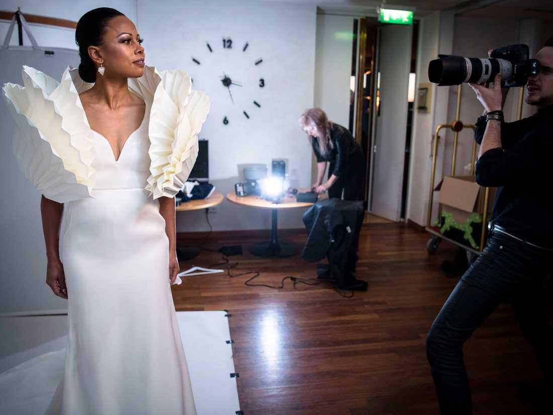 Alice Bah Kuhnke studiofotograferas av Ea Czyz.