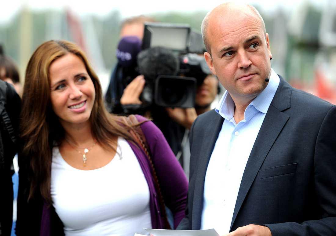Filippa Reinfeldt fanns på plats i Gustavsberg när maken Fredrik Reinfeldt höll tal.