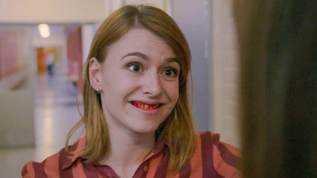 Clara Henry i den nya tv-serien (där hennes karaktär har skadat sig).