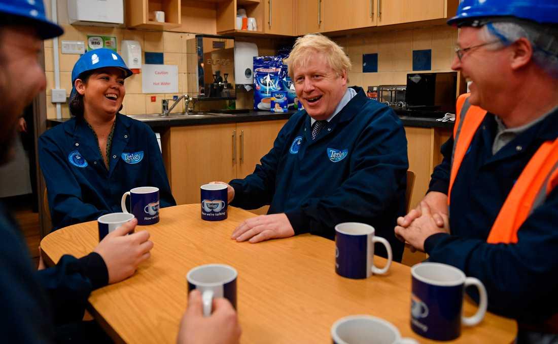 Storbritanniens premiärminister Boris Johnson valkampanjar.