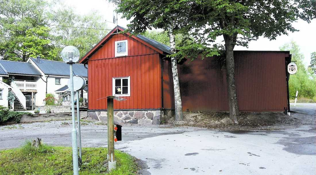 Norrköpings kommun köpte ut Top Side som hade klubbhuset nära en skola.