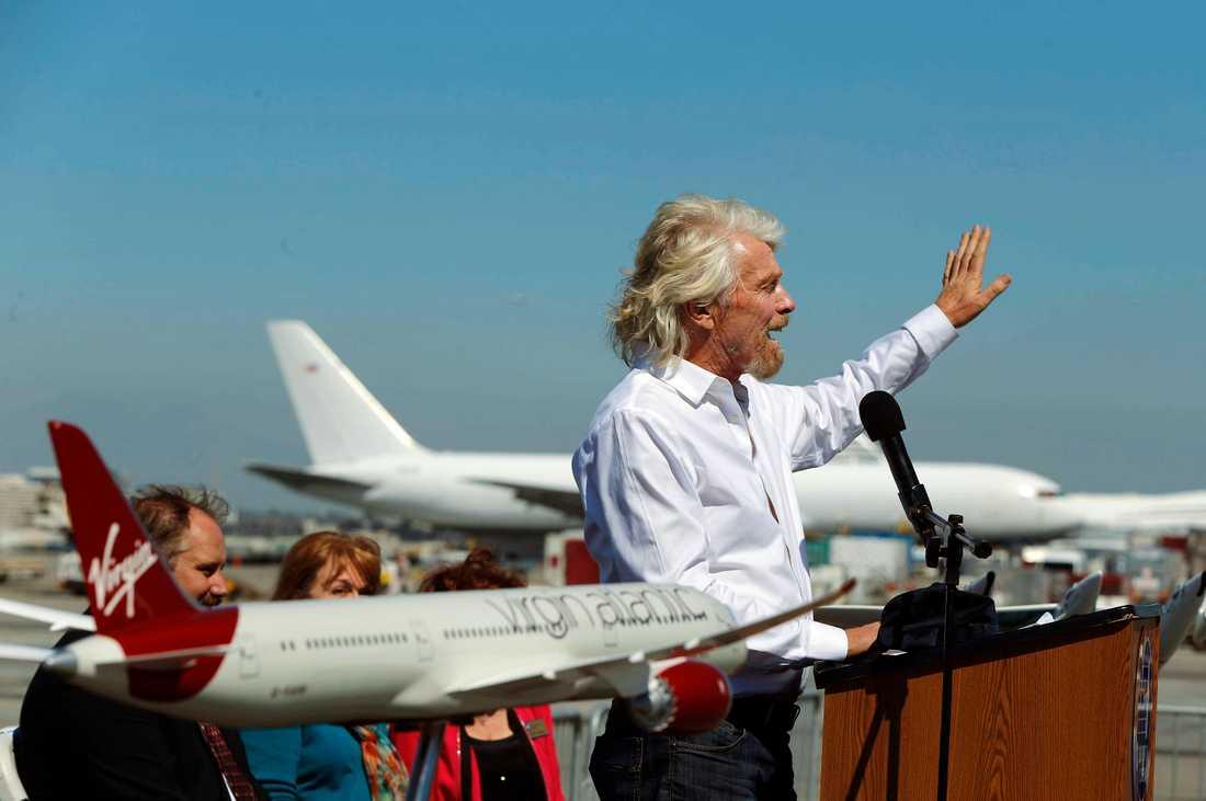 Richard Branson och hans Virgin Galactic säger sig kunna skicka upp turister i rymden mycket snart.