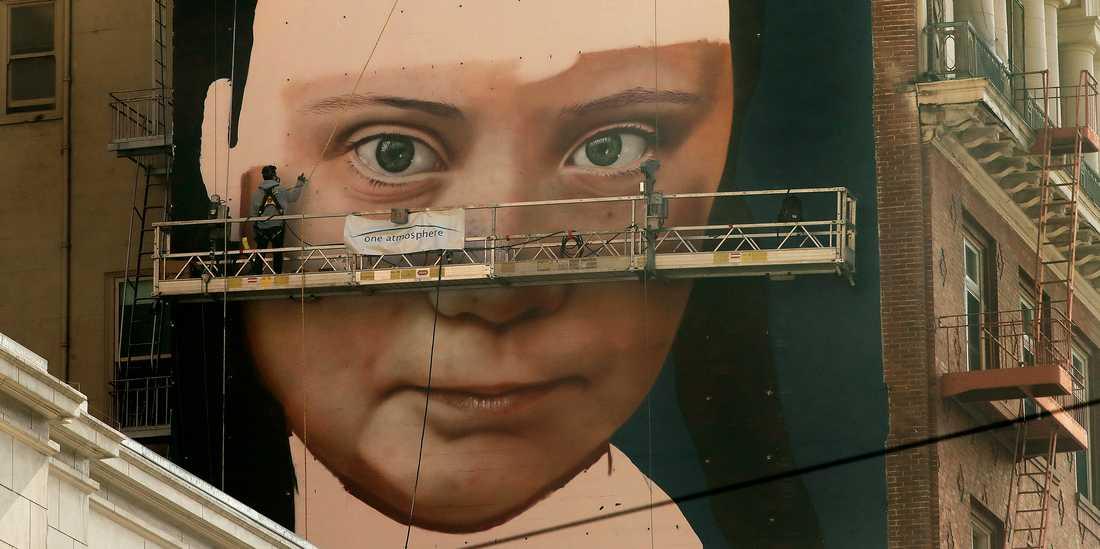 Väggmålning av Greta Thunberg i San Fransisco.