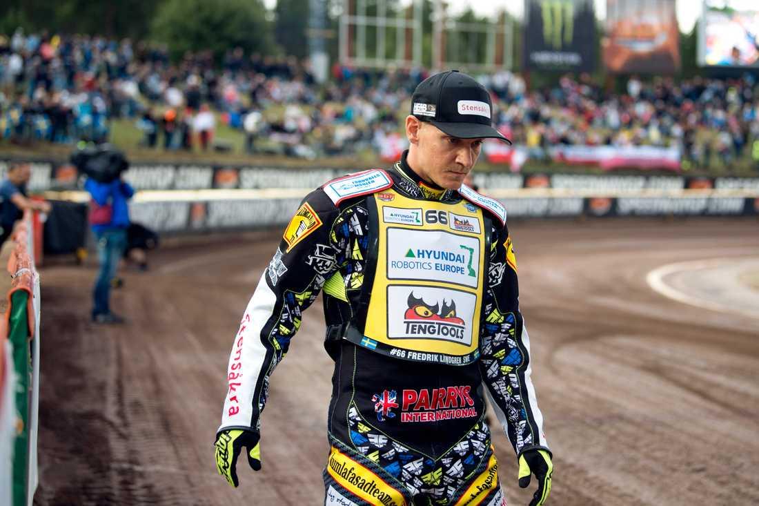 Fredrik Lindgren lämnar Dackarna för Smederna.