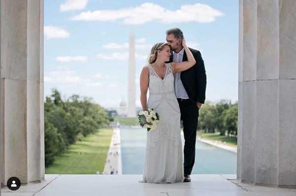 Vigseln mellan Carina Bergfeldt och Jesper Zølck ägde rum i Washington DC.