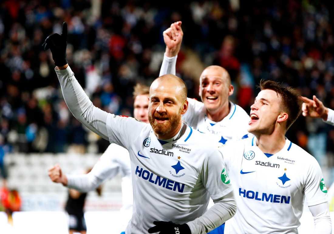 Daniel Sjölund gjorde segermålet på tilläggstid i sin sista match för IFK Norrköping i fjol. Nu lägger ålänningen av. Arkivbild.