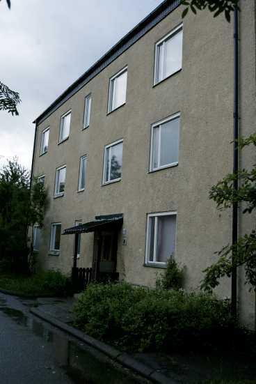 Här slog rånarna till Den 80-åriga kvinnan chockades svårt när hon attackerades i sin lägenhet.