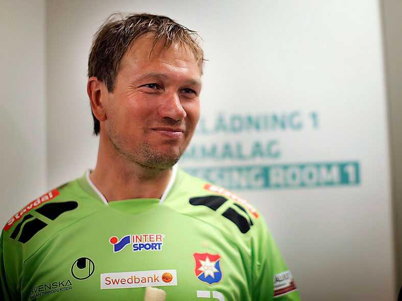 Bengt Andersson i Öis-tröja.