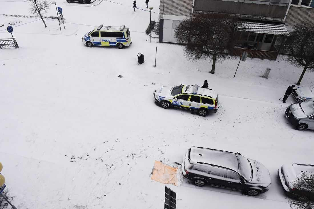 På gatan misshandlades mordvittnet till döds.