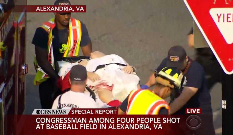 Politikern Steve Scalise uppges vara allvarligt skadad men tillståndet rapporteras vara stabilt.