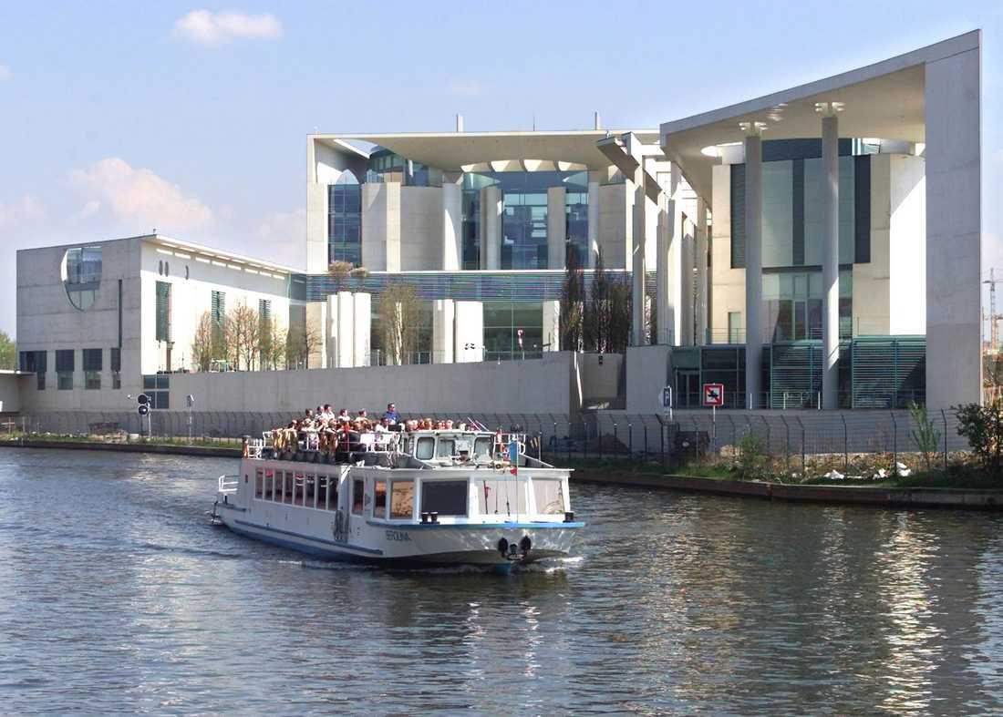 En sightseeingbåt i Berlin. Bilden är från ett annat tillfälle. Arkivbild.