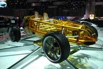 En genomskinlig racerbil i plast som drivs med etanol var Rinspeeds bidrag i Genèneve 2007.