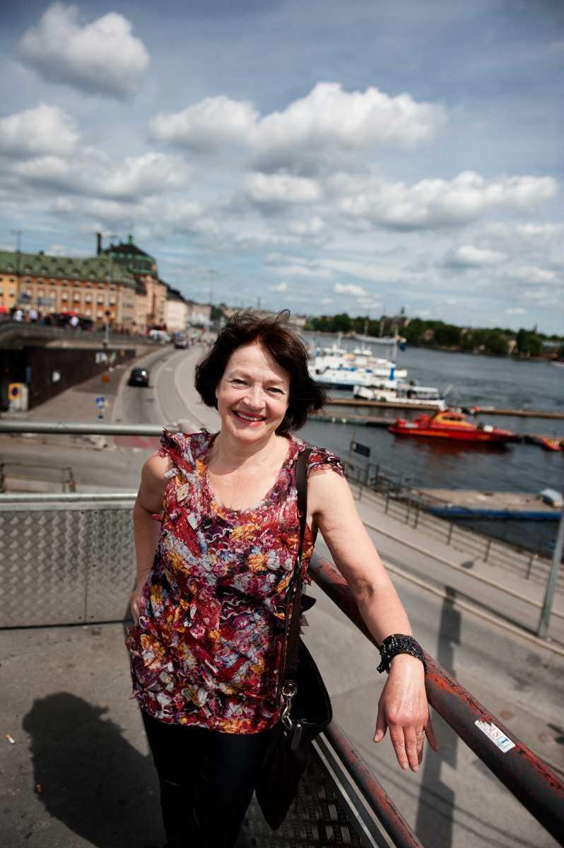 """Monica Gunne på sitt smultronställe i Stockholm – Slussen. """"En historisk mittpunkt, staden föddes här"""", skrev hon 2011."""