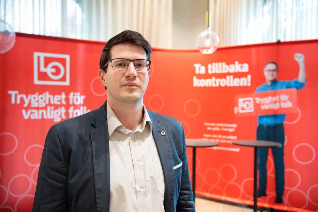 """""""Protesterna har förbättrat bilden av fackföreningarna i Ungern"""", säger Balázs Bábel, internationell sekreterare i det ungerska metallfacket Vasas och presidieledamot i den fackliga konfederationen MASZSZ."""