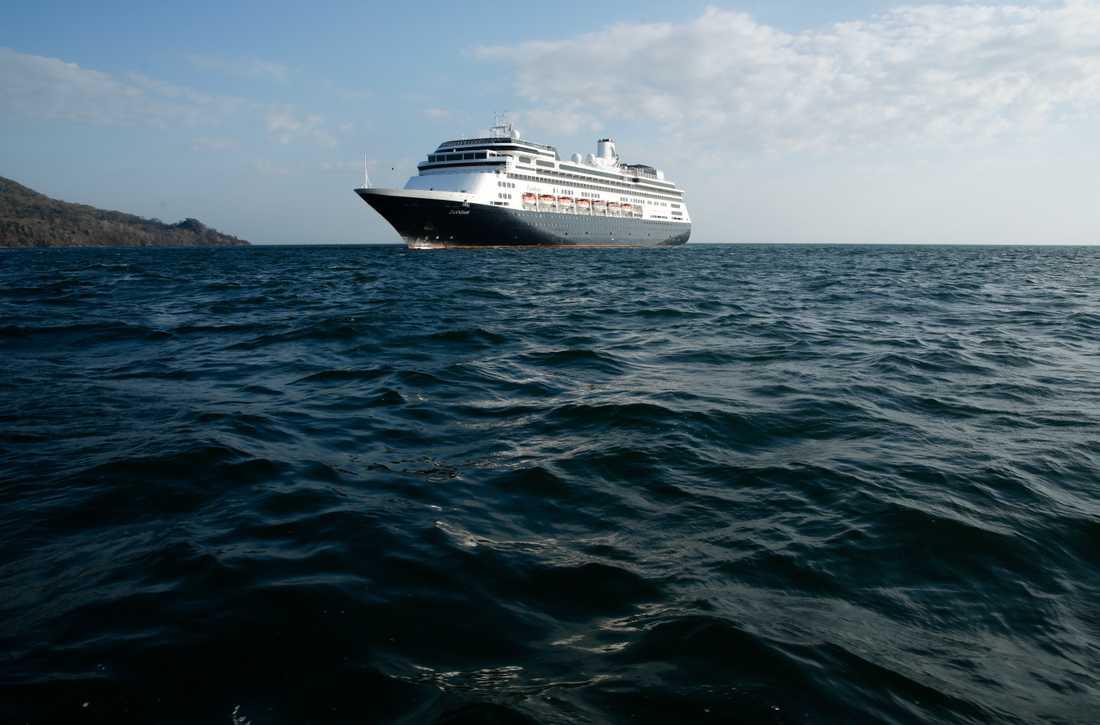Zaandam är på väg till Fort Lauderdale i Florida. Och nu får fartyget passera Panamakanalen för att ta sig dit.