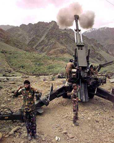 kärnvapenkrig rycker närmare Bofors 155 mm-kanoner används redan av Indien mot Pakistan i striderna om Kashmir. Det är teoretiskt möjligt att ladda dem med kärnvapenstridsspetsar.
