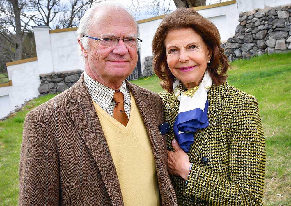 在电晕大流行期间,国王和王后在弗伦郊外的斯滕纳马尔的城堡里与世隔绝。