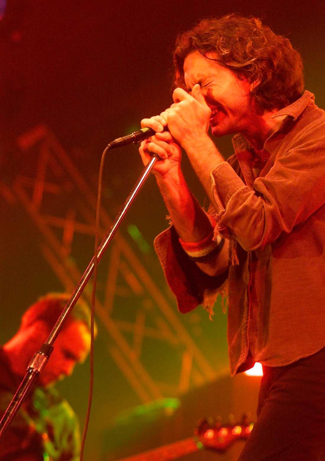 Det var under Pearl Jams spelning som dödsolyckan inträffade.