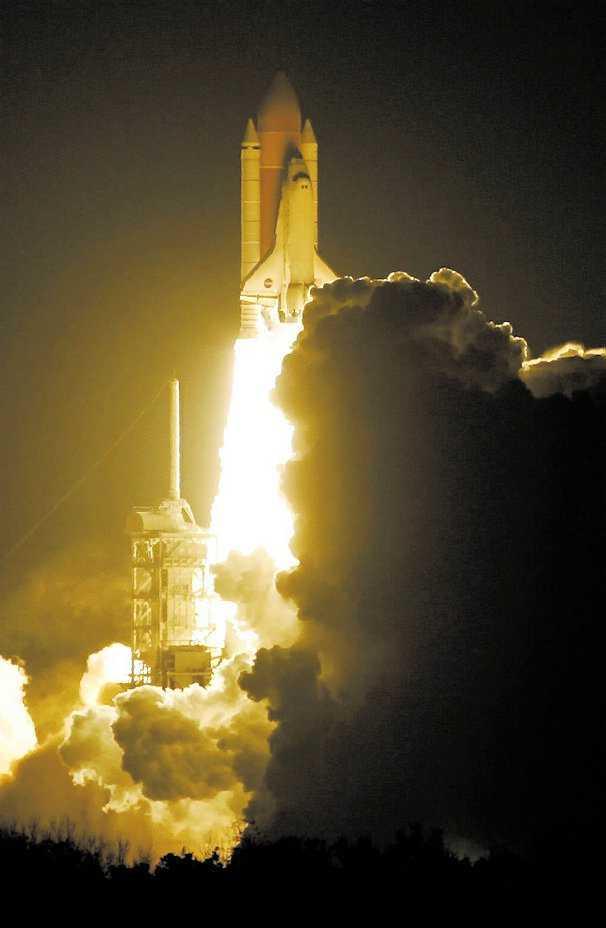 Redan om tre år kan du åka upp i rymden i stället för att sticka till Thailand, enligt ett spanskt bolag.
