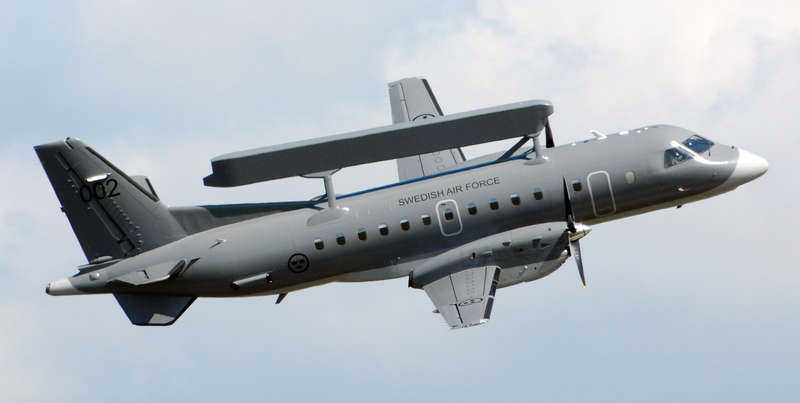 Ett flygplan med det militära radarsystemet Erieye, som Förenade Arabemiraten nu får köpa av Saab.